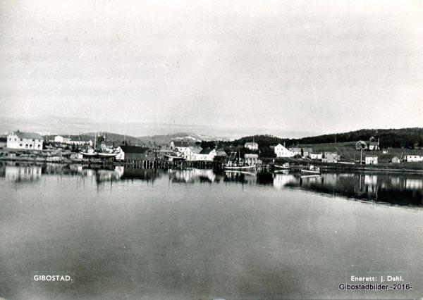 Gibostad ca 1952. Utgiver J Dahl. Postgått 1953