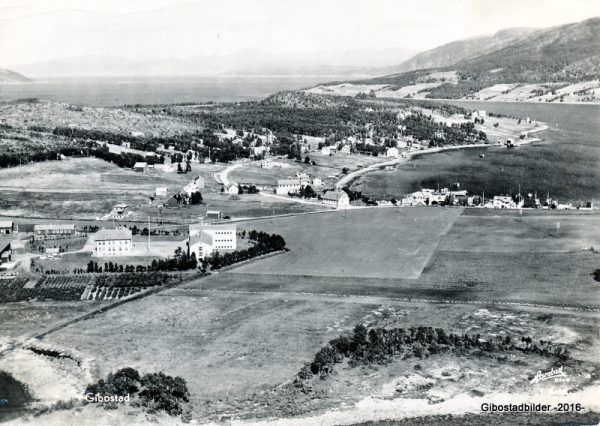 Gibostad ca 1949. Harstad forlag